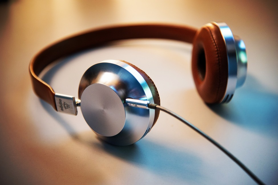 Sejarah dan perkembangan headset