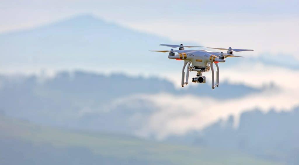 MENGENAL APA ITU DRONE